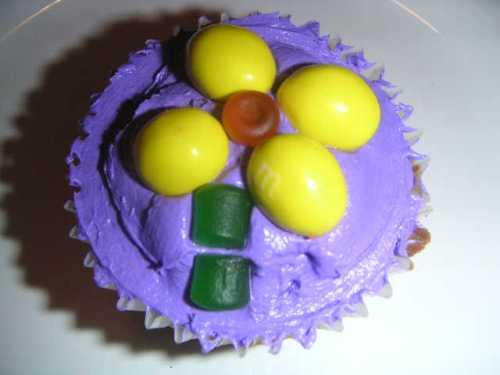 flower-cupcake.jpg